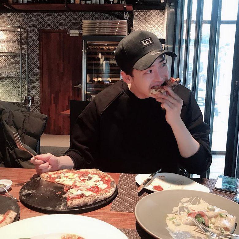 aktor lee jong suk