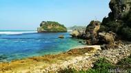 Selamat Pagi dari Pantai Watu Bolong Yogyakarta nan Eksotis