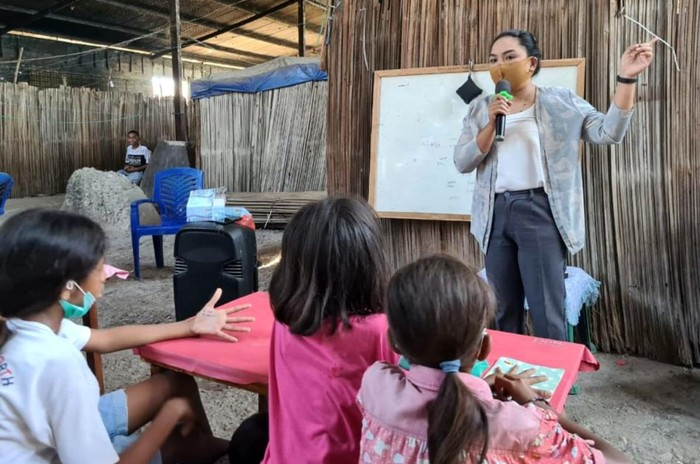 Menyambung kampanye yang tengah dijalankan Hidup Gak Cuma Tentang Hari Ini, ratusan anak-anak eks timtim juga berhak mendapatkan belajar secara layak guna meraih cita-cita.