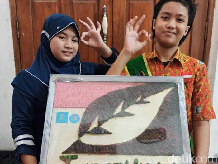 Pelajar Surabaya Sulap Minyak Jelantah Jadi Sabun Cuci Tangan dan Kain