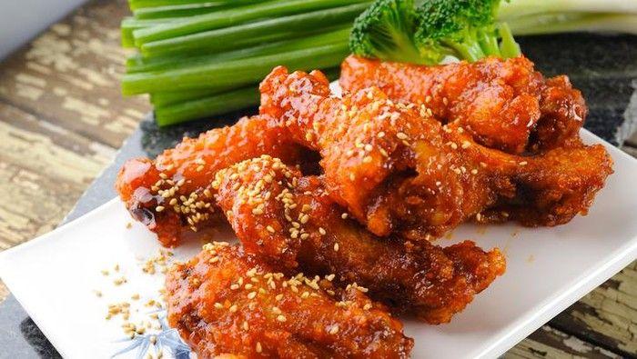 Alasan Sooyoung SNSD Bosan Makan Ayam