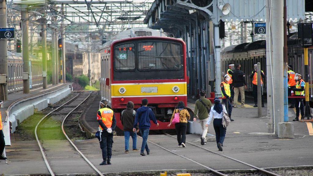 Perbaikan Rel Tuntas, Perjalanan KRL Stasiun Pasar Minggu-UI Kembali Normal