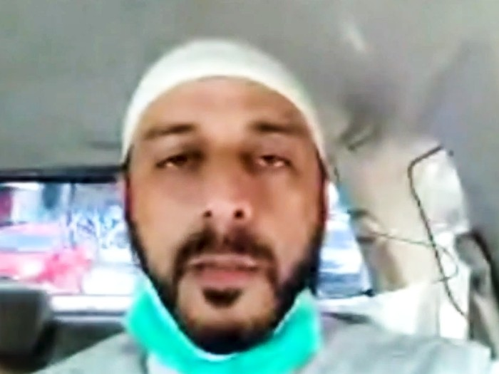 Pendakwah Syekh Ali Jaber mengalami luka tusuk saat sedang berceramah di Lampung pada Minggu (13/9). Namun Syekh Ali menyebut apa yang dialaminya merupakan sebuah ujian. Di satu sisi, Sang Syekh berharap polisi mengusut tuntas kasusnya seraya berdoa pelaku diampuni Allah SWT.