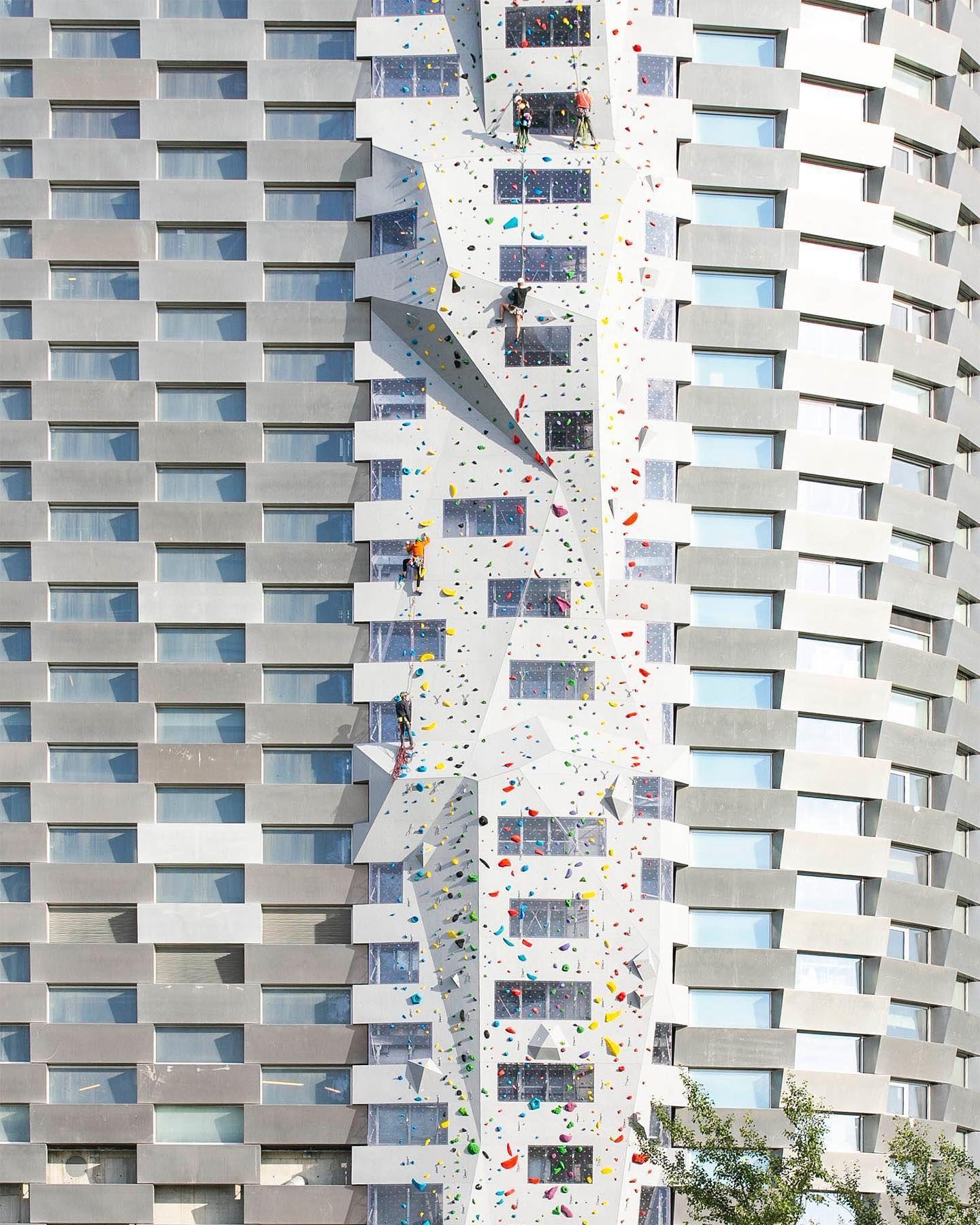 Denmark Punya Wahana Panjat Dinding Gedung Tertinggi di Dunia