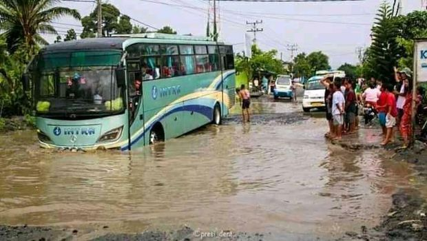 Jalan lintas Perdagangan-Siantar terendam banjir (dok. Istimewa)