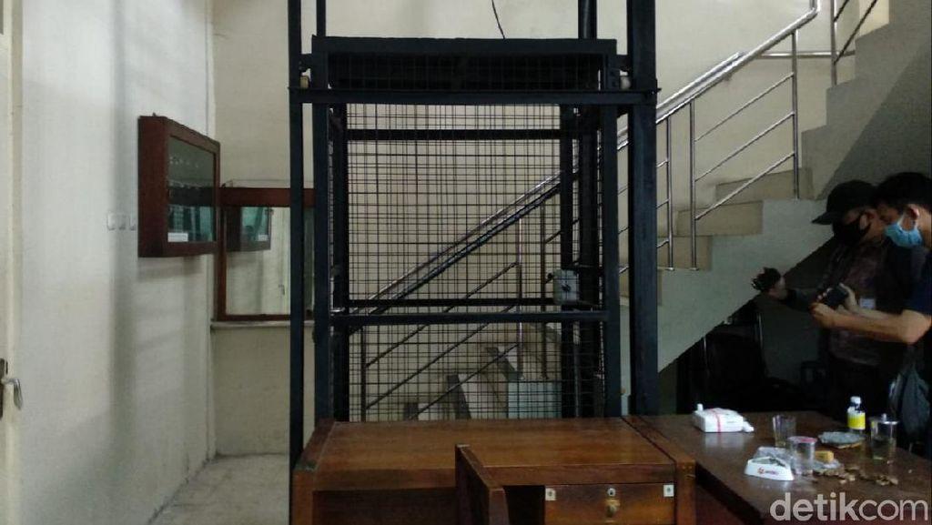 Lift yang Jatuh Milik Pribadi Ketua DPRD DIY