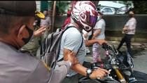 Kena Razia Masker, Pemotor di Medan Pura-pura Menepi Lalu Kabur