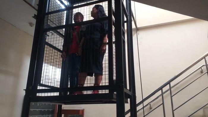 Pengecekan kondisi lift pribadi Ketua DPRD DIY, Selasa (15/9/2020).