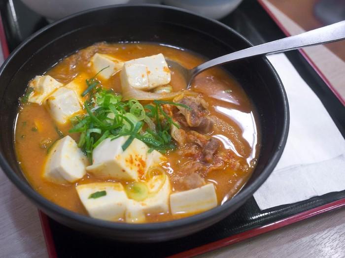 Sup Tofu dan Kimchi