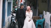Foto Prewedding di Gang Sempit Roxy Viral, Ini Cerita di Baliknya