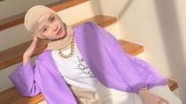 Gaya Selebgram Hijab Adira Salahudi yang Wajahnya Mirip Artis Korea