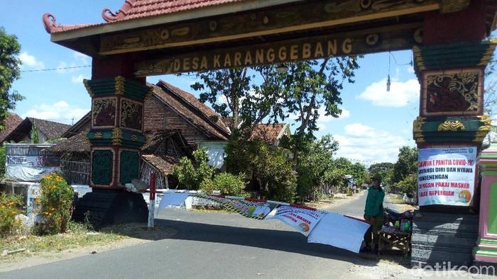 Desa Karanggebang di Kecamatan Jetis, Ponorogo yang di-lockdown