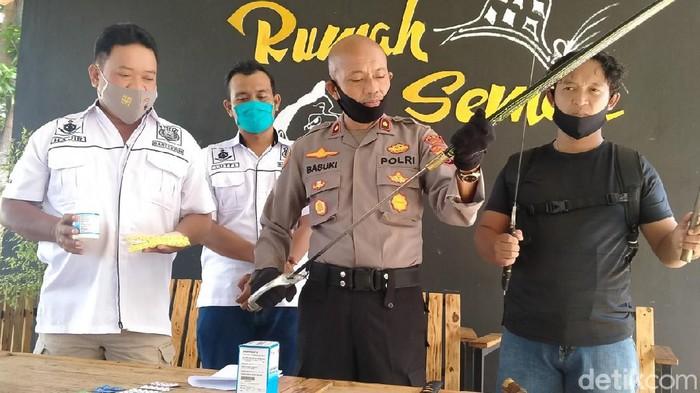 Jumpa pers kasus pria lukai dua warga, di Mapolsek Pekalongan Selatan, Rabu (16/9/2020).