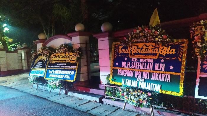 Kondisi kediaman dan makam Sekda DKI Jakarta Saefullah.