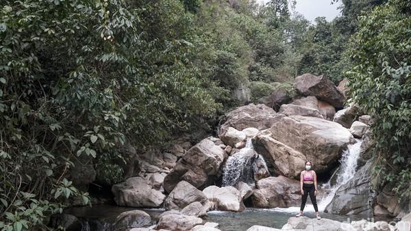 Curug Leuwi Hejo ini merupakan air terjun. Leuwi dalam bahasa Sunda berarti relungan atau kolam, sedangkan hejo berarti hijau. Curug Leuwi Hejo berlokasi di Desa Cibadak, Kecamatan Sukamakmur, Bogor, Jawa Barat. (Grandyos Zafna)