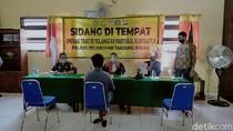 Video Puluhan Orang Kena Razia Yustisi di Surabaya, Langsung Disidang