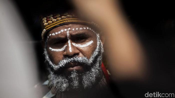 Tim Solidaritas Rakyat Papua datangi Gedung LPDP Kemenkeu. Kedatangan mereka untuk kembalikan uang beasiswa LPDP Veronica Koman.