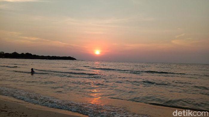 Pantai Bandengan