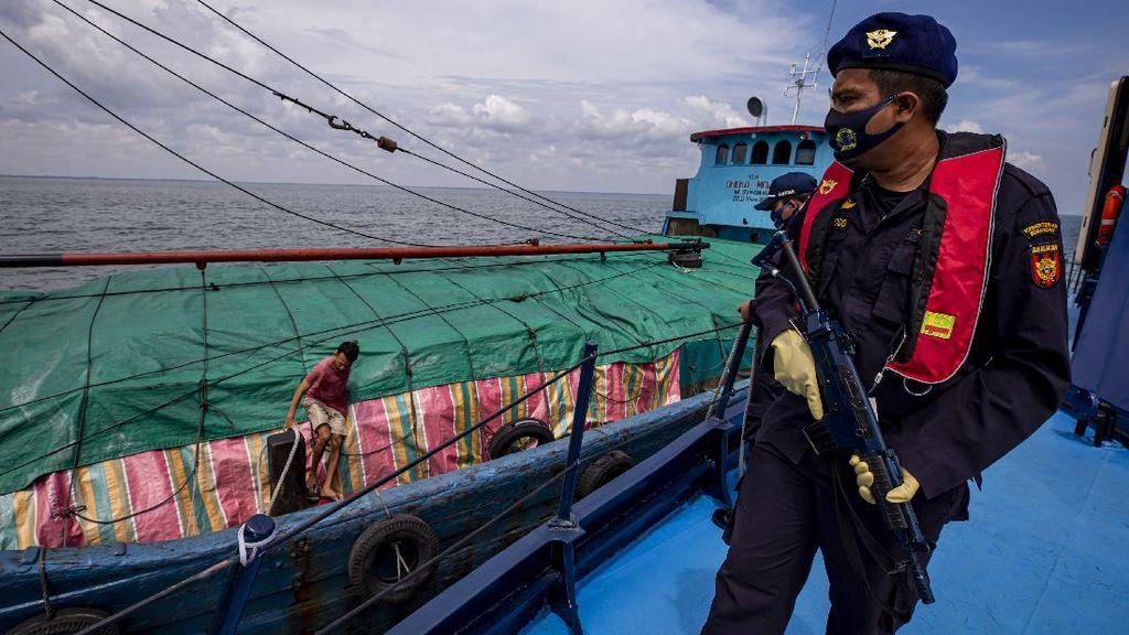 Foto Patroli Laut Bea dan Cukai Hadang Barang Ilegal