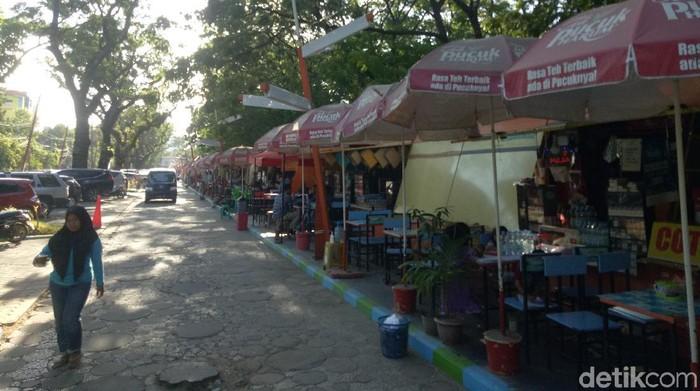 Pemkot Makassar menelusuri dugaan pungli yang terjadi di Kawasan Kuliner Kanrerong (Ibnu Munsir/detikcom)