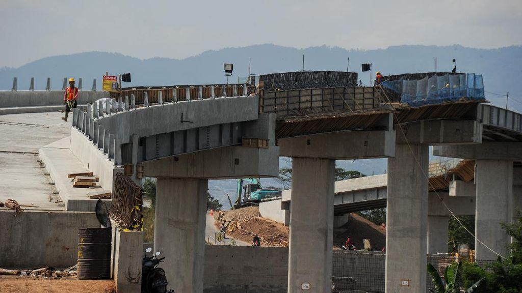 Progres Pengerjaan Proyek Kereta Cepat Capai 56 Persen