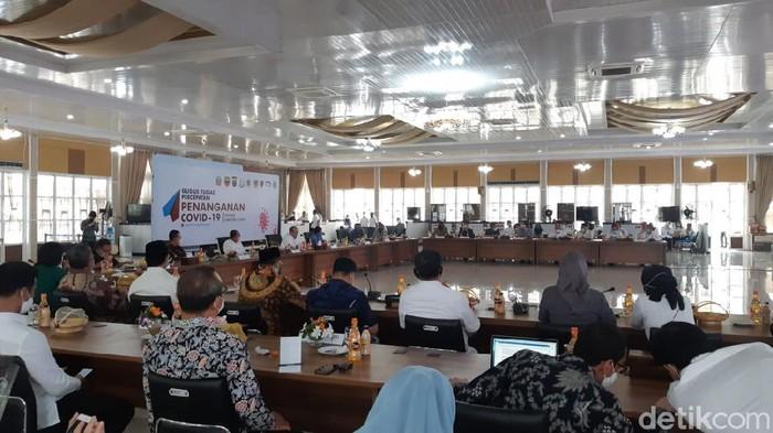 Suasana Kunker DPD RI di Rumah Dinas Gubsu di Medan