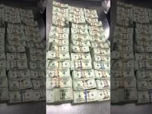 Bandara Miami Sita Uang Rp 7,2 M yang Diselundupkan Dalam Sofa