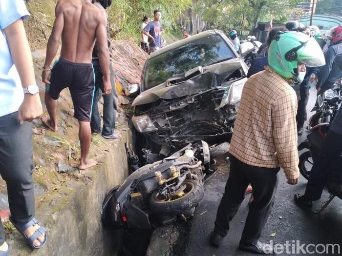 Wakil Bupati Yalimo menabrak Polwan hingga tewas.