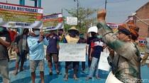 Protes Pabrik Tahu Cemari Air, Warga Geruduk Balai Desa di Kudus