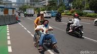 Ada Proyek MRT, Pengguna Kursi Roda Kehilangan Jalan