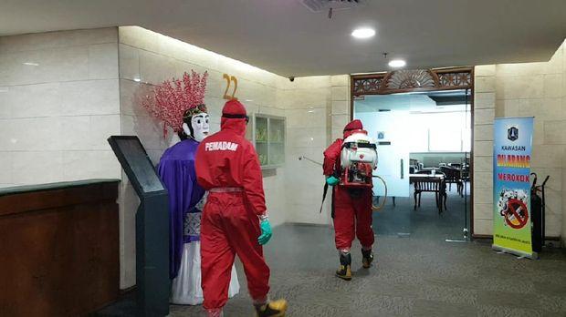 Blok G Balai Kota DKI, Balai Kota DKI, Kantor Sekda DKI, penyemprotan disinfektan di Balai Kota DKI