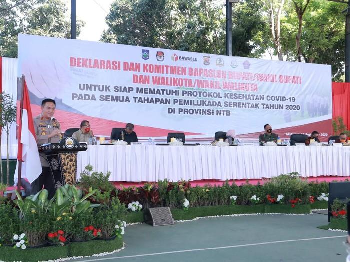 Deklarasi Pemilu dengan Patuh Protokol Kesehatan di Polda NTB