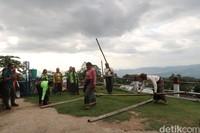 Rangkuk Alu dulunya adalah permainan yang biasa dilakukan oleh muda-muda saat bulan purnama.(Bonauli/detikcom)