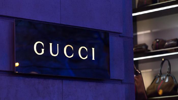 Koleksi Gucci x Balenciaga