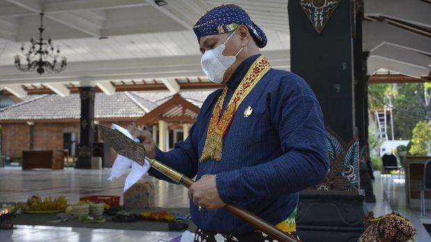 Jamasan  Pusaka Kyai Turun Sih milik Kraton Yogyakarta