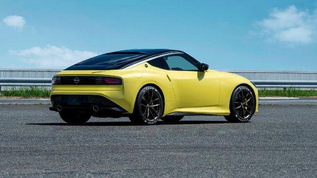 Nissan akhirnya secara perdana menampilkan model Z generasi terbaru.