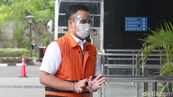 Eks Sekretaris MA Nurhadi bersama menantunya Rezky Herbiyono kembali diperiksa KPK. Berikut foto-fotonya.
