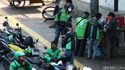 3 Ribu Ojek Langgar Larangan Berkerumun saat PSBB Jakarta Ketat-Transisi
