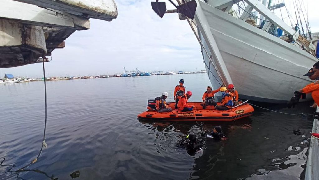 Pria di Makassar Nekat Loncat ke Laut, Ditemukan Selamat Setelah 11 Jam