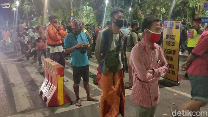 Ratusan Warga Surabaya Kena Ciduk COVID-19 Pemburu Protokol Kesehatan, Didenda Rp 52 Ribu