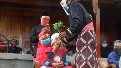 Ritual Cukur Rambut Gimbal Dieng di Masa Pandemi Berlangsung Khidmat