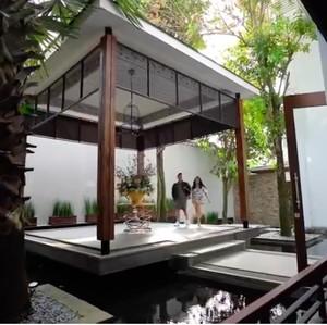 13 Potret Mewahnya Rumah Momo Eks Geisha, Ada Lift dan Chef Pribadi