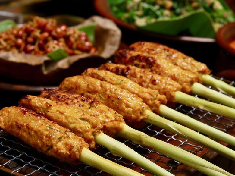 Resep Sate Lilit Ayam Khas Bali yang Pedas Gurih