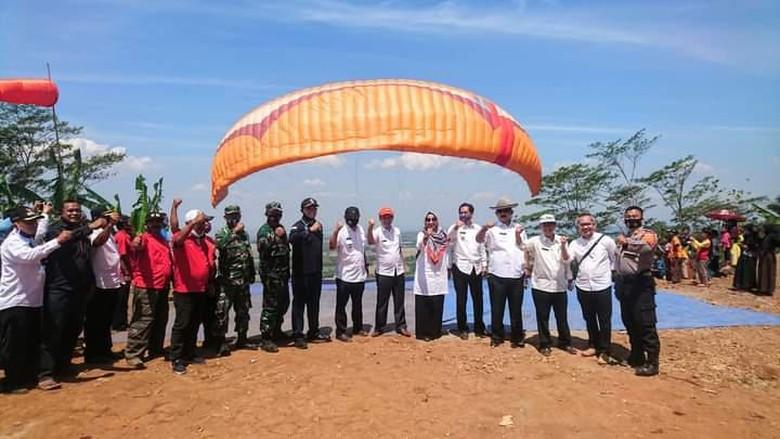 Spot Paralayang Baru di Cirebon