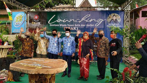 Taman Batik Akar Kartini