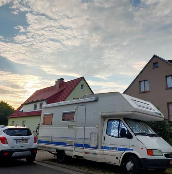 Keduanya pun terbang ke Belanda pada 9 September tahun lalu. Mereka menetapkan anggaran sebesar SGD 50.000 (Rp 54 juta) untuk perjalanan mereka di Eropa selama satu tahun. Adapun hal pertama yang mereka lakukan adalah membeli van kemping seharga SGD 24.000 (Rp 260 jutaan) dan sisanya akan digunakan untuk perjalanan mereka.