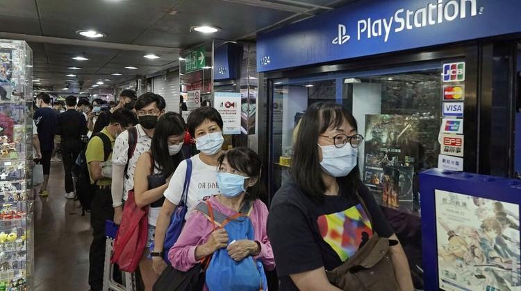 Pre-order PlaysStation 5 mulai dibuka. Warga di Hong Kong pun antusias mengantre demi mendapatkan PS5.