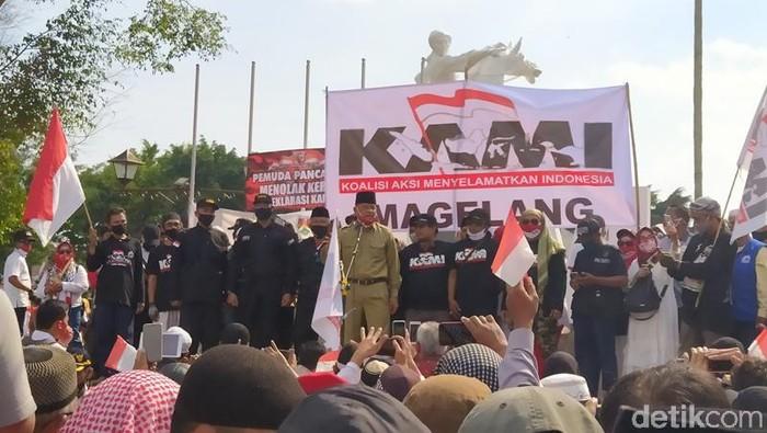Deklarasi KAMI se-Jateng di Alun-alun Magelang, Jumat (18/9/2020).