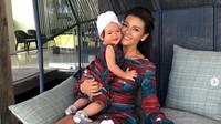 Kompaknya Farah Quinn dan Sang Putri, Netizen: Gemas Banget
