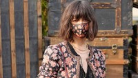 8 Aksi Model Bermasker di New York Fashion Week